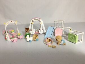 Calico critters/sylvanian families Baby Playground Toys 2 Babies Swing