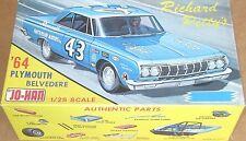 MINT/BOX JOHAN RICHARD PETTY GREEN 1964 PLYMOUTH BELVEDERE VINTAGE MODEL CAR KIT