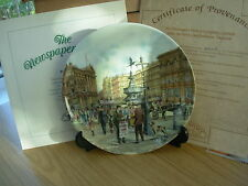 DAVENPORT CHINA PLATE THE NEWSPAPER SELLER CRIES OF LONDON BOXED CERTIFICATE 32
