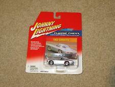 Johnny Lightning Classic Chevy 1963 Corvette Split Window Silver 1:64 Moc 2002