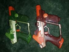 Tiger Electronics Lazer Laser Tag Guns Team Ops Green Orange 2004