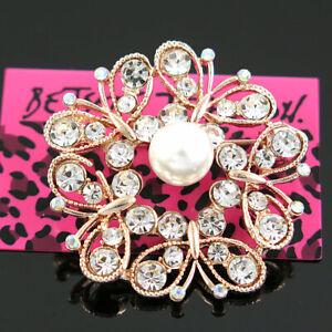 Betsey Johnson Stunning Vintage Rhinestone White pearl Circle Wreath Brooch Pin