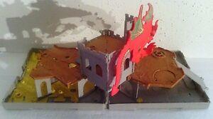 MATCHBOX 2005 DRAGON SHIELD CASTLE FOLD & GO POPUP VEHICLE PLAY SET TOY TRACK