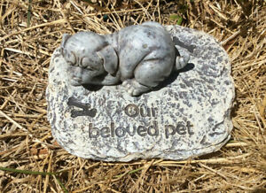 Pet Memorial headstone statue for a dog with inspirational words - 11cm