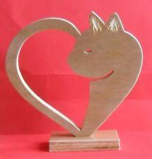 Chat entouré coeur animaux bois fait main trophée art design objet décor