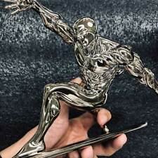 Marvel Coleccionables Silver Surfer 1/10 exclusiva estatua de modelo GK muestra
