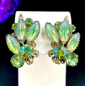 VINTAGE GOLD-TONE LIME GREEN BICOLOR CABOCHON AB RHINESTONE SPRAY CLIP EARRINGS