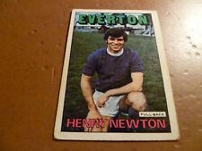 A & A.C. Chicle Fútbol Tarjeta 1972/73 Rojo Naranja atrás Henry Newton Everton #117