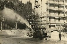PHOTO ANCIENNE - VINTAGE SNAPSHOT - TRANSPORT TRACTEUR CHASSE NEIGE DRÔLE - SNOW