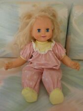 Toy Biz 1992 electronic talking Baby Loves to Talk Works Doll Orig Clothes (G8)