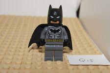 LEGO - BATMAN Minifigure / Minifig - Black + Grey - DC (Q15) Genuine