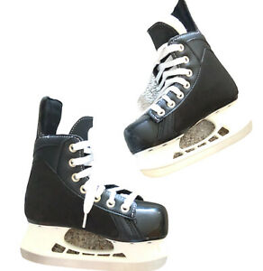 Bauer Black Ice Hockey Skates TUUK Blades Youth Y12 Shoe Size 13 Fly Weight Tech