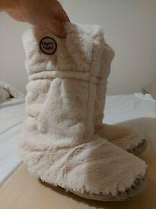 F & F Plush Fur Cream Slippers Size 7-8