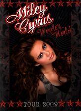 MILEY CYRUS 2009 WONDER WORLD TOUR CONCERT PROGRAM BOOK / NMT 2 MINT