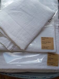 *New*  100% linen white double fitted sheet  + 2 pillowcases.