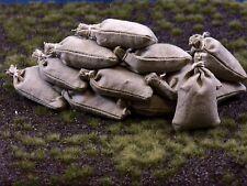 12 khakifarbige gebundene echte Stoff Sandsäcke, gefüllt 45 x 30 mm, 1:16,
