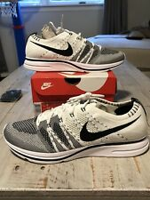 nike flyknit trainer white black Size 9 Ds