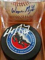 LOT WAYNE GRETZKY SIGNED HALL OF FAME HOCKEY PUCK 1 coa + 1 BASEBALL no coa HOF