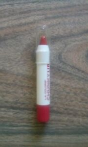 L.A. COLORS CHUNKY LIP PENCIL - HOT RED