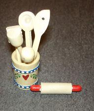 Holzeimer mit Küchengeräten ca. 2 cm (d)  Puppenstube 1:12