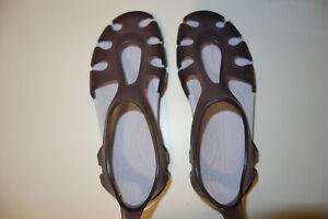 chaussures meduse tribord decathlon 31-32 gris