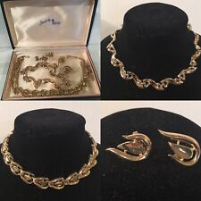 Vintage Collection Jewels By TRIFARI Clip on Earrings 2 Necklaces Jewelry Box