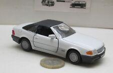 Gama 1137: Mercedes-Benz 300/500 SL, geschlossen, weiß,   1:43  (396)