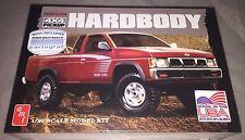 AMT Nissan Hardbody 4x4 pickup 1/20 scale plastic model car truck kit new 1031