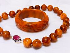 VINTAGE ART DECO BAKELITE BEADS NECKLACE Ruby Clasp and Carved BANGLE