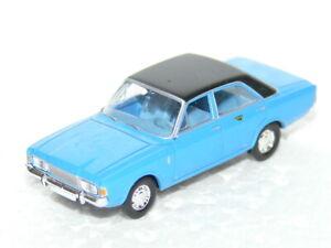 Brekina - Ford 17M/20M - zweifarbig - blau mit schwarzem Dach - H0 1/87 -