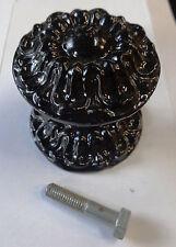 Ancien  bouton fixe  de porte d' entrée en fonte fin XIXeme