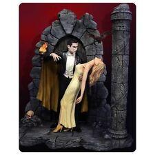 Bela Lugosi as Dracula Deluxe Model Kit with Woman 1/8 Moebius Models