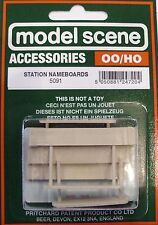 Modelscene 5091 3 x Station Nameboards '00' Gauge = 1/76th Scale -1st Class Post