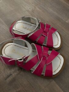 Salt Water Girls Shiny Fuschia Original Sandals Size 7 Toddler US