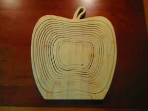 WOOD TRIVET - COLLAPSIBLE BASKET - NEW