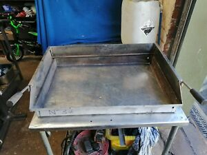 NO37 CHARGRILL UP DOWN RISER SURROUND WITH HANDLES 740MM X 510MM X 150MM HIGH
