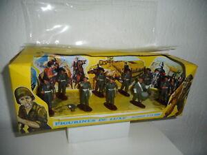 """QUIRALU rare boite  de 9 soldats plastique """" QUIRALUX """""""
