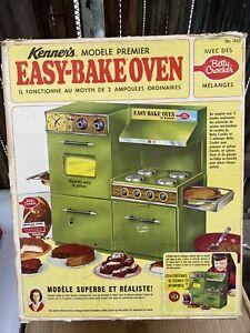 Vintage Green Easy Bake Oven Kenner w. Baking Recipe Books