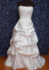 Wedding dress size 6 Beautiful White with long train Retail $399 David's Bridal