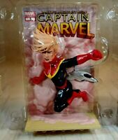 Captain Marvel 3D Comic Standee Loot Crate Exclusive March 2019 - NEW Open Box
