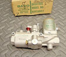 NEW Baso  BAV3304F2 Gas Solenoid Valve Basotrol