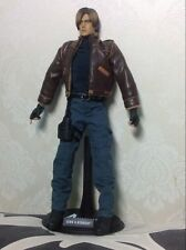 KO  Hot 1/6 Toys Resident Evil 4 Leon S. Kennedy Scale Figure LEATHER flaw