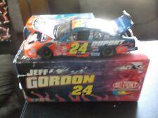 2002 JEFF GORDON 24 DUPONT 1 24TH SCALE DIECAST