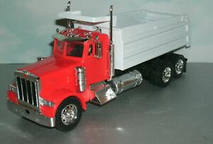 1/32 Scale Peterbilt 379 Dump Truck Plastic Model Replica Toy (New-Ray) Orange