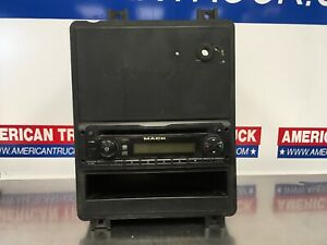 Mack Delphi Radio / CD Player P/N 28261017 Assembly Included P/N 21470356