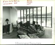 1993 Press Photo Georgia Leonard in the living-room of her One River Place Condo