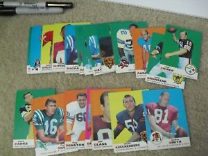 Lot of 20 1969 Topps Football Cards Very Nice Condition 5-8 Range