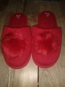 New Victoria's Secret Slip On Fuzzy Pom Pom Slipper Red Large