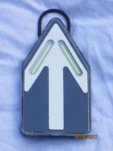 Defile Marker,Route,datiert 2003, Leuchtpfeil, Richtungsanzeiger,S.R.B. London