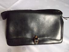 Uromas alte Handtasche Henkel. Clutch schwarz Leder klein Klipverschluß VINTAGE!